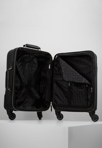 KARL LAGERFELD - RUE ST GUILLAUME TROLLEY - Valise à roulettes - black - 6
