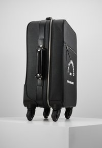 KARL LAGERFELD - RUE ST GUILLAUME TROLLEY - Valise à roulettes - black - 4