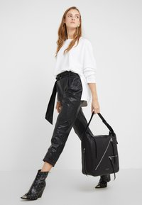 KARL LAGERFELD - ODINA  - Shoppingveske - black/nickel - 1