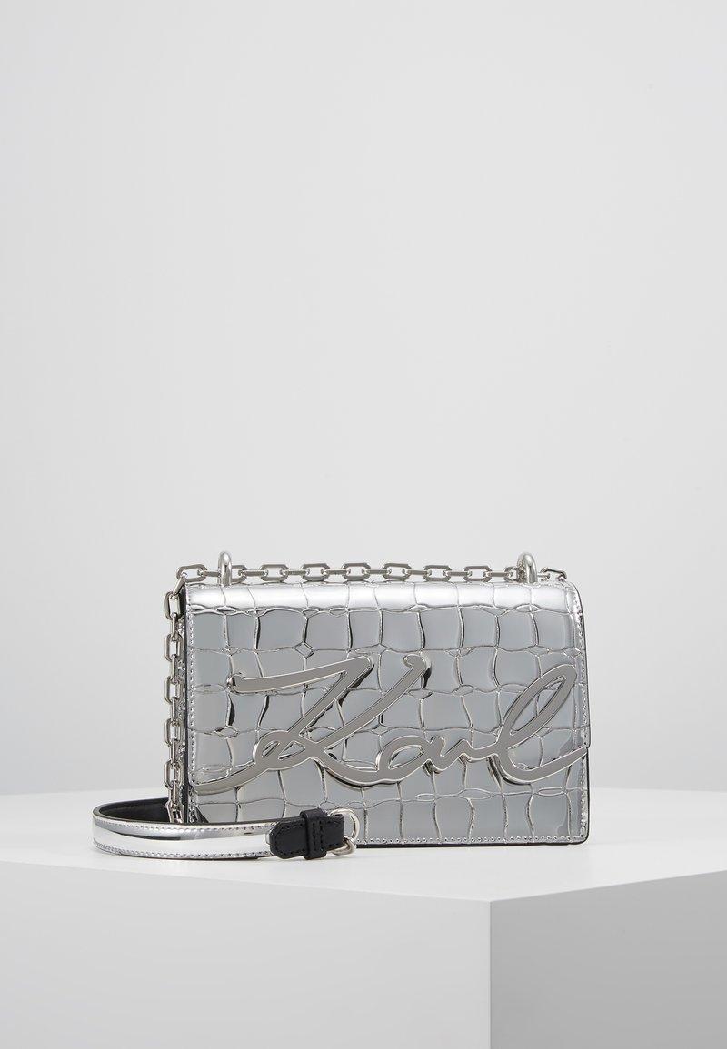 KARL LAGERFELD - KARL X OLIVIA SIGNATURE - Across body bag - silver