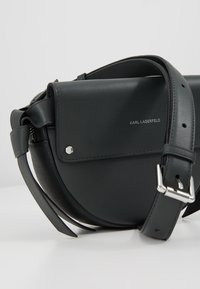 KARL LAGERFELD - IKON BELT BAG - Bum bag - pine - 6