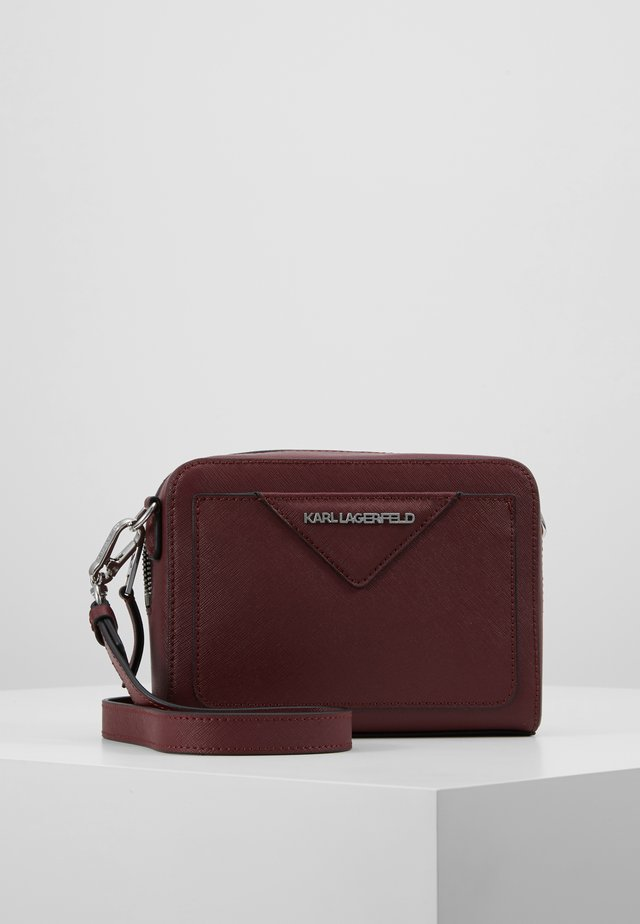KLASSIK CAMERA BAG - Sac bandoulière - wine