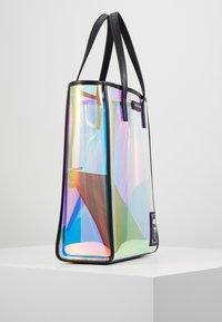 KARL LAGERFELD - FUN IRIDESCENT - Shopper - transparent - 3