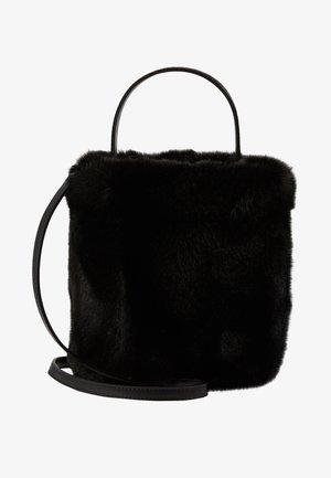 CARINE BUCKET - Handtasche - black