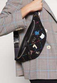 KARL LAGERFELD - STUDIO BUMBAG - Bum bag - black/multi - 1
