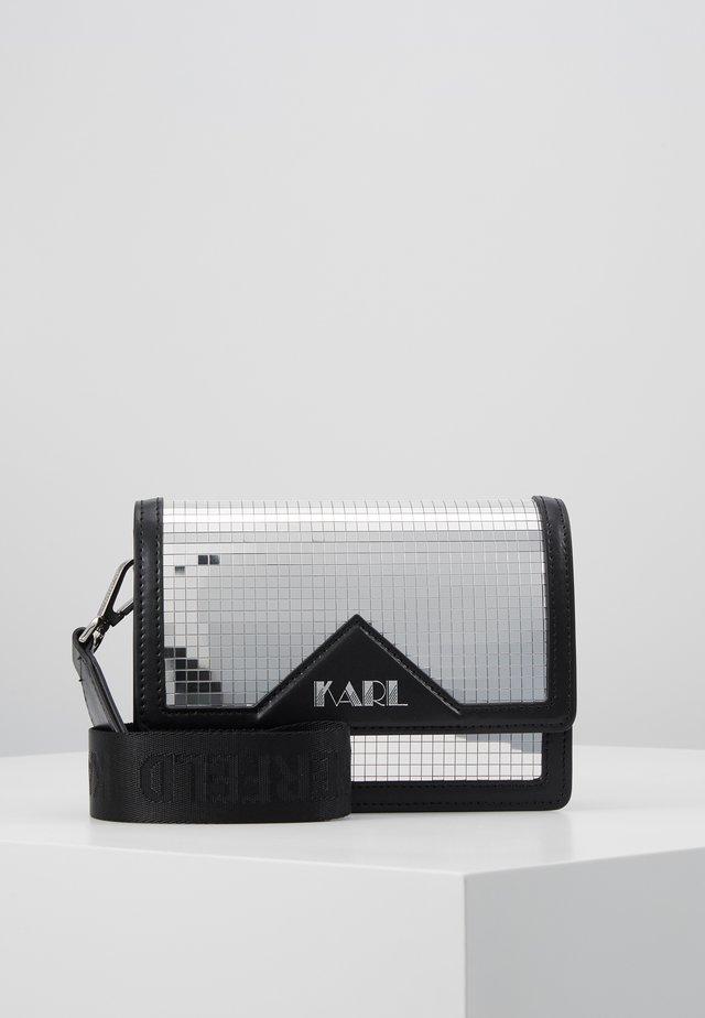DISCO SHOULDER BAG - Across body bag - silver