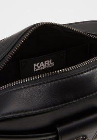 KARL LAGERFELD - STUDIO CAMERA BAG - Across body bag - black - 4