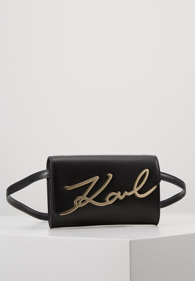 SIGNATURE BELT BAG - Ledvinka - black/gold-coloured