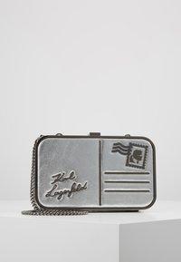 KARL LAGERFELD - POSTCARD MINAUDIERE - Pochette - silver - 0