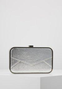 KARL LAGERFELD - POSTCARD MINAUDIERE - Pochette - silver - 3