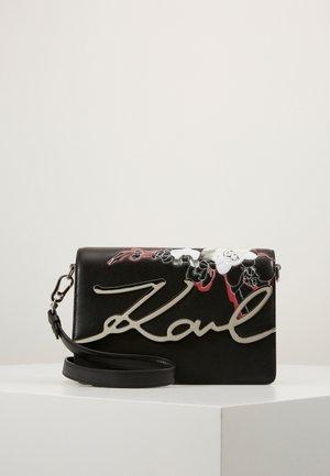 SIGNATURESPECIAL ORCHID - Handbag - black