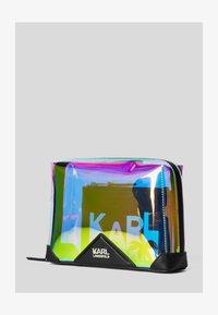 KARL LAGERFELD - KARLIFORNIA  - Trousse - a901 iridescent - 1