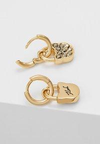 KARL LAGERFELD - SMALL CHOUPETTE LOCK HOOP ER - Náušnice - gold-coloured - 2