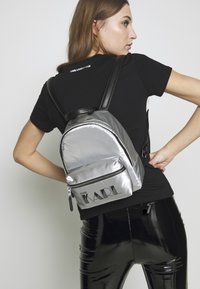 KARL LAGERFELD - BACKPACK - Sac à dos - silver - 1