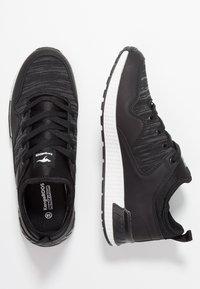 KangaROOS - Sneaker low - jet black - 3