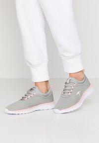 KangaROOS - K-RUN NEO - Sneakers - vapor grey/english rose - 0