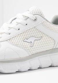 KangaROOS - KR-ECHO - Sneakersy niskie - white/silver - 2