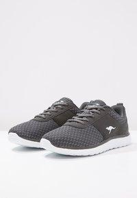KangaROOS - BUMPY - Sneakers - dark grey - 2