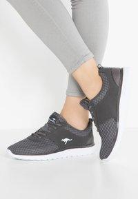 KangaROOS - BUMPY - Sneakers - dark grey - 0