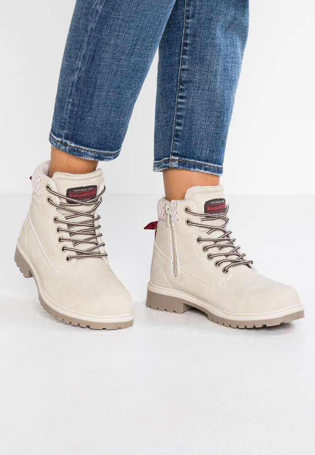 RIVETER - Ankle boots - offwhite