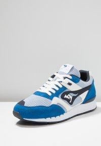 KangaROOS - RACER HYBRID - Trainers - blue/white - 2