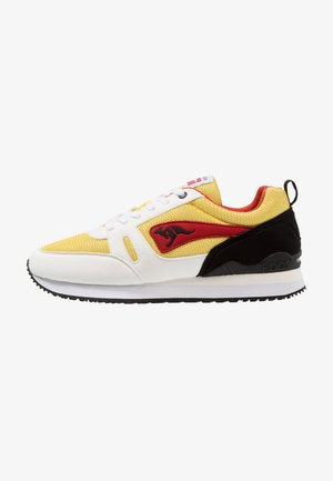 OMNIRACER - Trainers - white/neon yellow