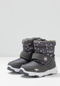 KangaROOS - SNOWRUSH - Talvisaappaat - steel grey/frost pink - 3