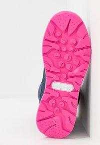 KangaROOS - K-FLUFF RTX - Zimní obuv - dark navy/daisy pink - 5