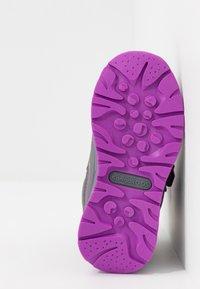 KangaROOS - K-PLUSH RTX - Zimní obuv - steel grey/purple - 5