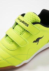 KangaROOS - COURTYARD  - Sneakers - neon yellow/jet black - 2
