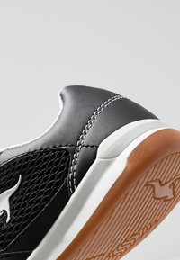 KangaROOS - INCOURT - Baskets basses - jet black/white - 2