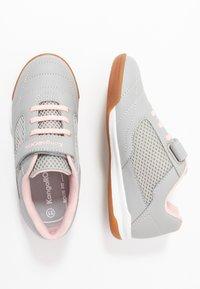 KangaROOS - RACE YARD - Sneakers - vapor grey/english rose - 0