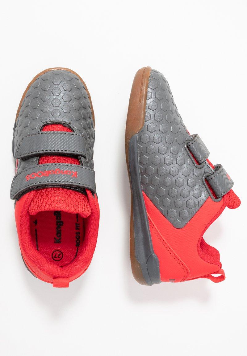 KangaROOS - SPEED COURT - Sneakers - steel grey/red