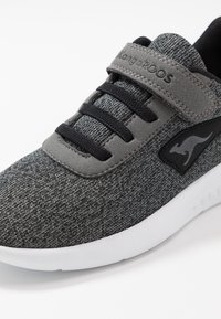 KangaROOS - CURVE - Sneakers - steel grey/jet black - 2