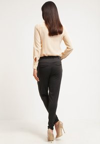 Kaffe - JILLIAN PANTS - Broek - dark grey melange - 2