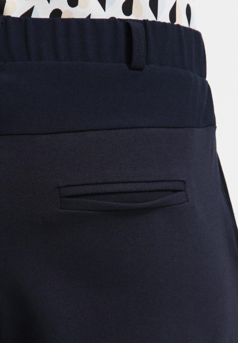 Kaffe JILLIAN PANTS - Spodnie materiałowe - midnight marine