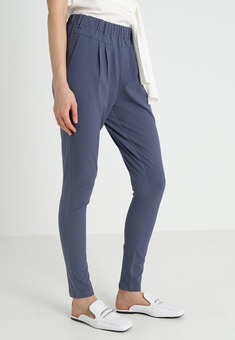 Kaffe - JILLIAN PANTS - Kalhoty - vintage blue