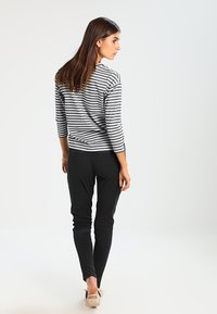 Kaffe - JILLIAN VILJA - Trousers - dark grey melange - 3