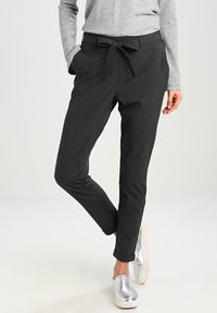 Kaffe - JILLIAN BELT PANT - Pantalon classique - dark grey melange - 0