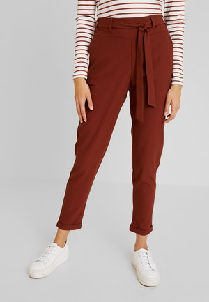 JILLIAN BELT PANT - Broek - cherry mahogany