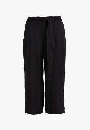 NOUR LINE CROPPED PANTS - Pantalones - black deep