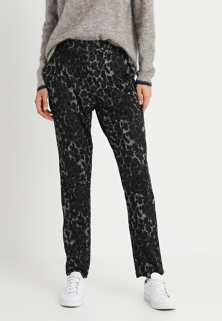 Kaffe - LEO NINETTE PANTS - Pantalones deportivos - dark grey melange