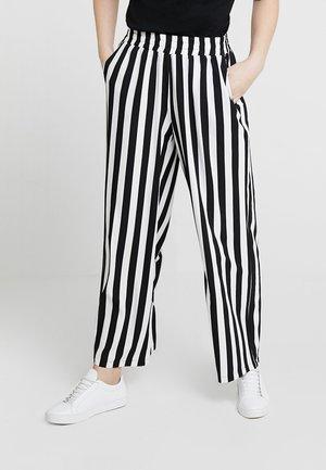 KAALVA PANTS - Pantalones - black deep