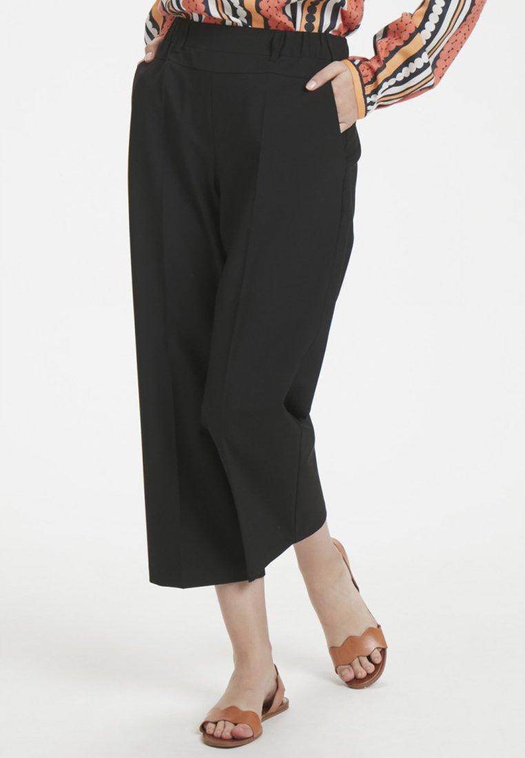 Kaffe - JILLIAN CULOTTE - Trousers - black