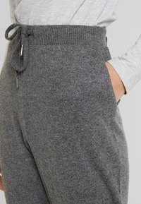 Kaffe - SORANA - Teplákové kalhoty - dark grey melange - 4