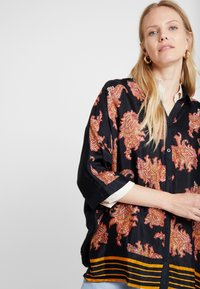 Kaffe - KAPASLY - Button-down blouse - black deep - 4