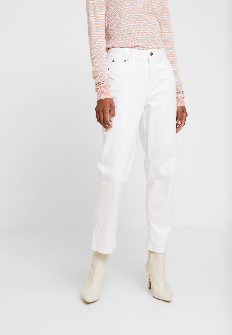 Kaffe - MARLY STRAIGHT - Relaxed fit jeans - white
