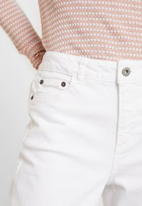 Kaffe - MARLY STRAIGHT - Relaxed fit jeans - white - 5
