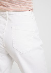 Kaffe - MARLY STRAIGHT - Relaxed fit jeans - white - 3