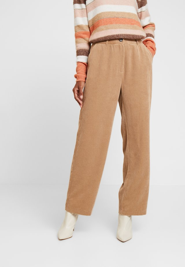MOLLY PANTS - Trousers - tannin